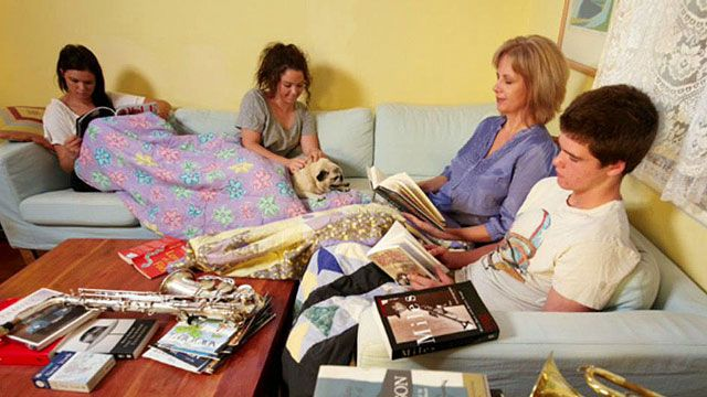 Mom 'Unplugs' Teens for 6 Months