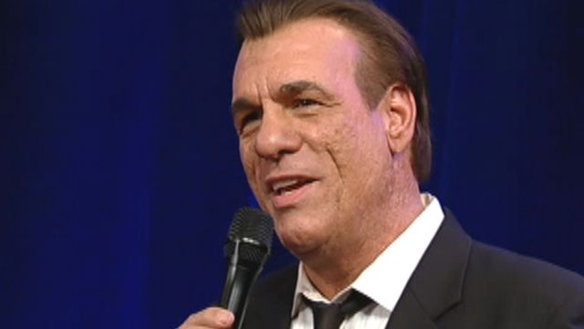 Robert Davi performs 'The Best is Yet To Come'