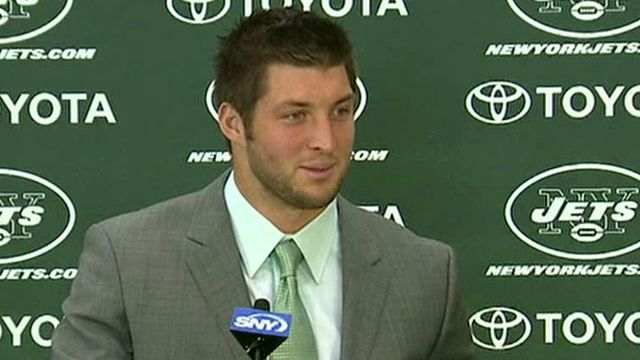Tim Tebow comes to town