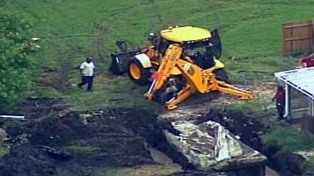Trailer, food truck found buried in Florida
