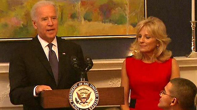 Bidens Host Wounded Warriors for Thanksgiving